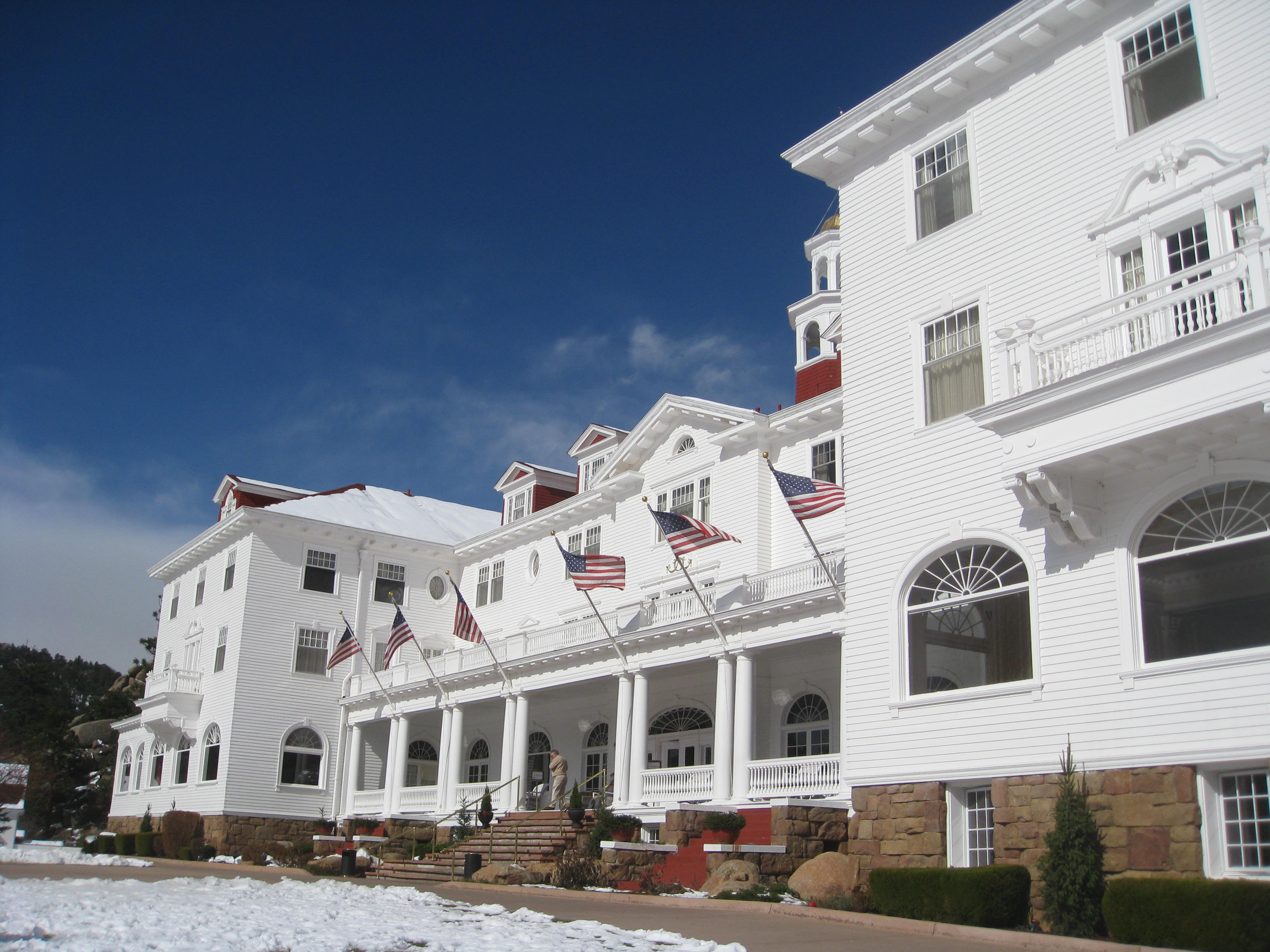 The Shining Ball at the Stanley Hotel   Seasweetie's Pages